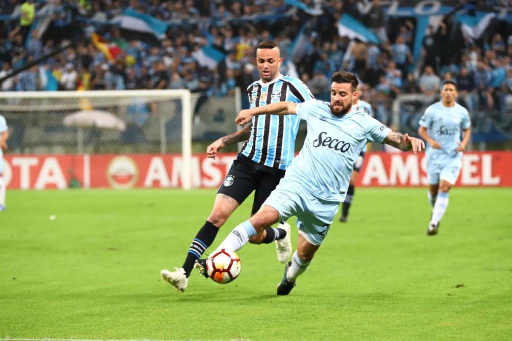 82753a1a9ada9 Goleada tricolor carimba vaga na semifinal da Libertadores